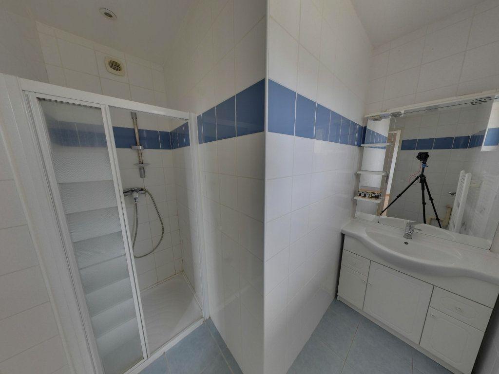Appartement à louer 2 48.79m2 à Fosses vignette-6