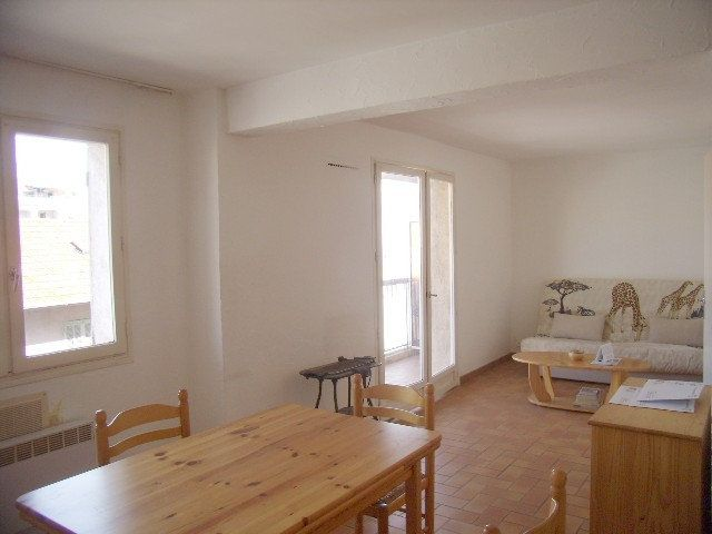 Appartement à louer 1 31.5m2 à Sainte-Maxime vignette-3