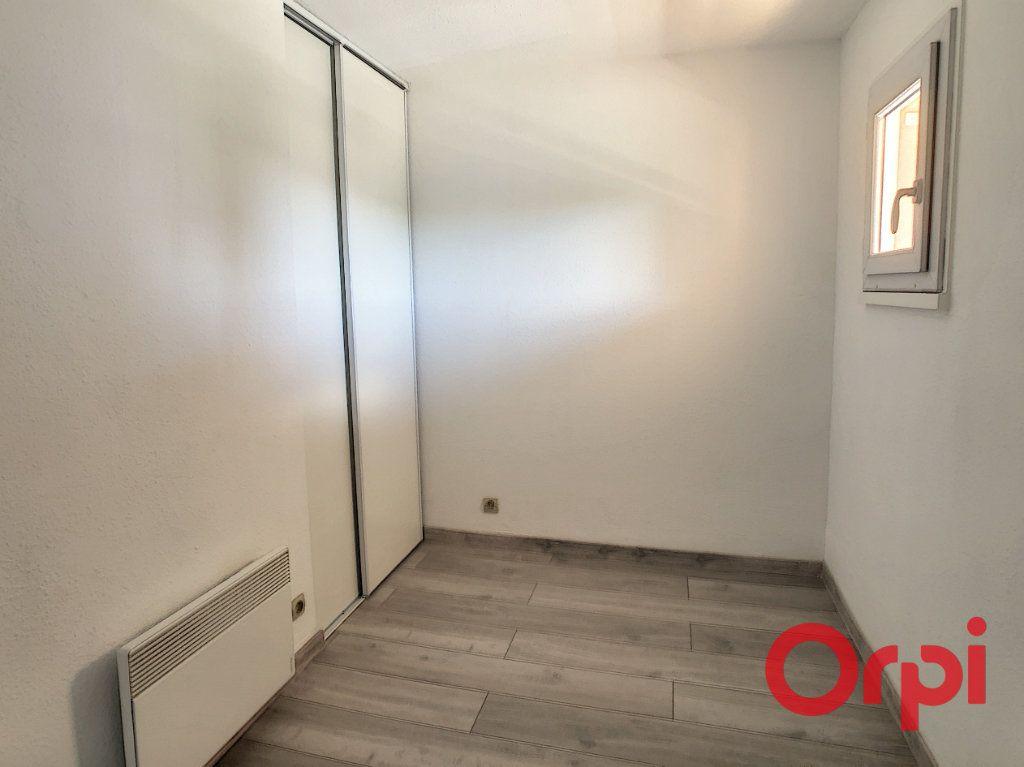 Appartement à louer 1 23.2m2 à Sainte-Maxime vignette-2