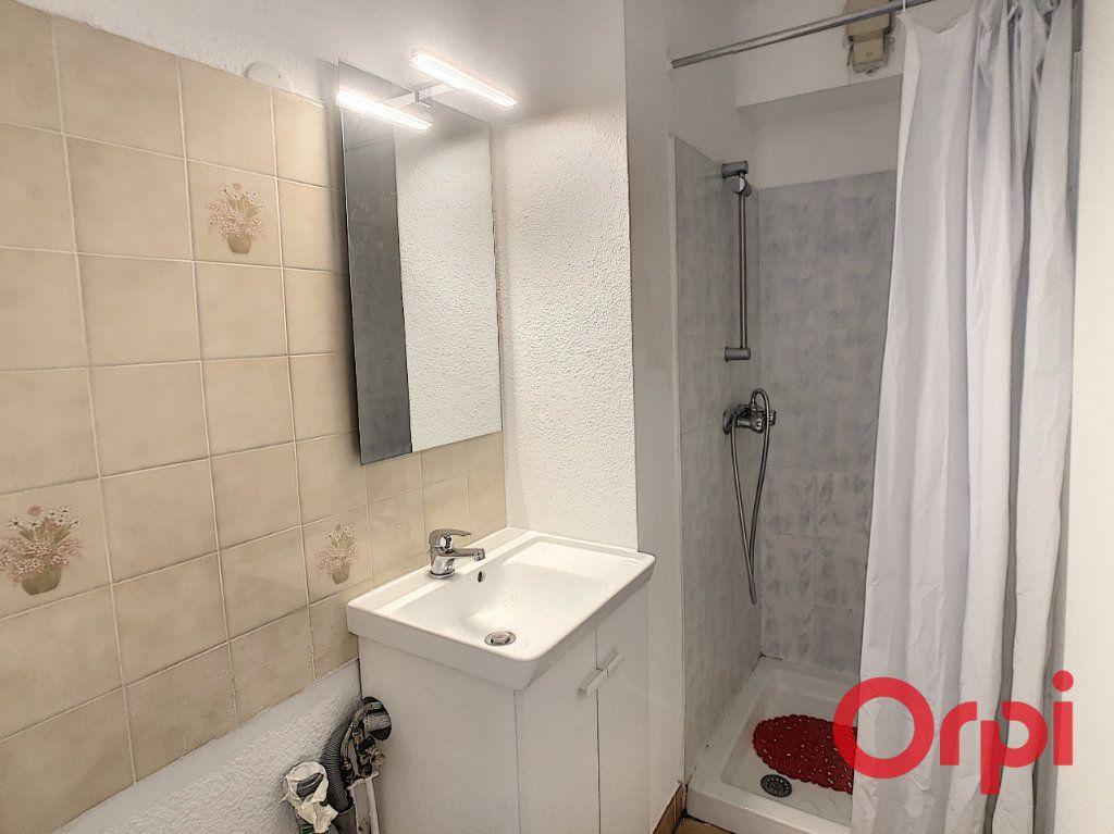 Appartement à louer 1 23.2m2 à Sainte-Maxime vignette-3