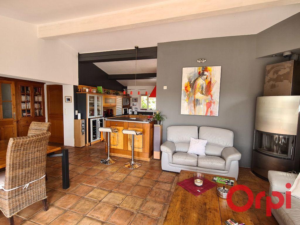 Maison à vendre 4 116.77m2 à Grimaud vignette-2
