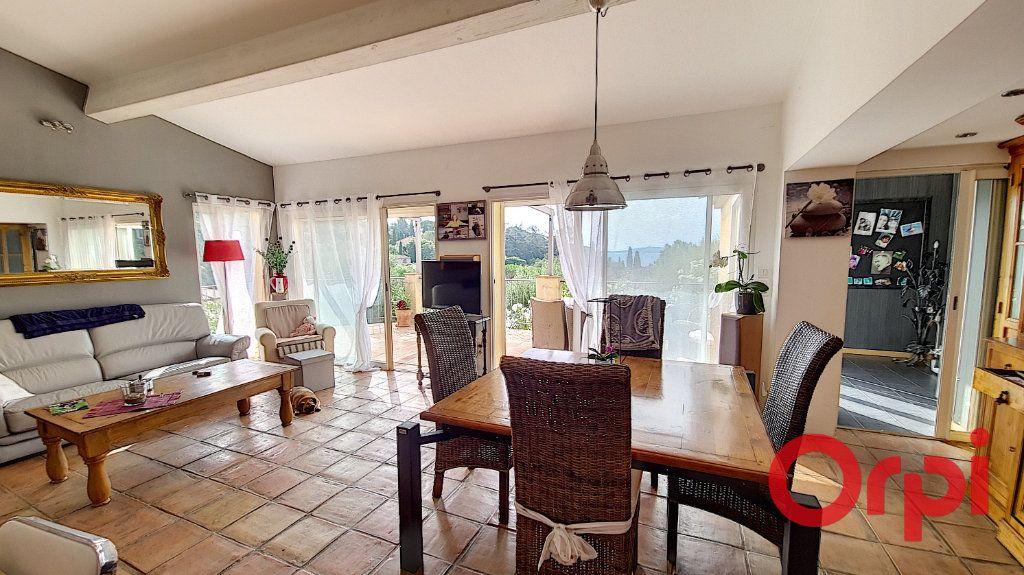 Maison à vendre 4 116.77m2 à Grimaud vignette-8