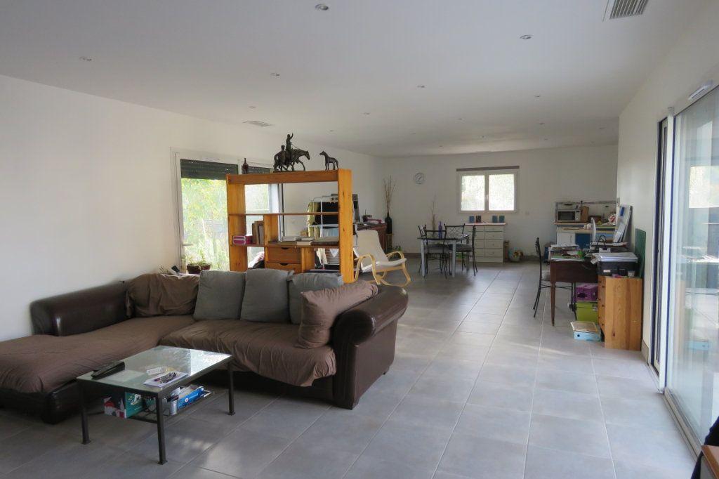 Maison à vendre 4 138m2 à Saint-Élix-le-Château vignette-4