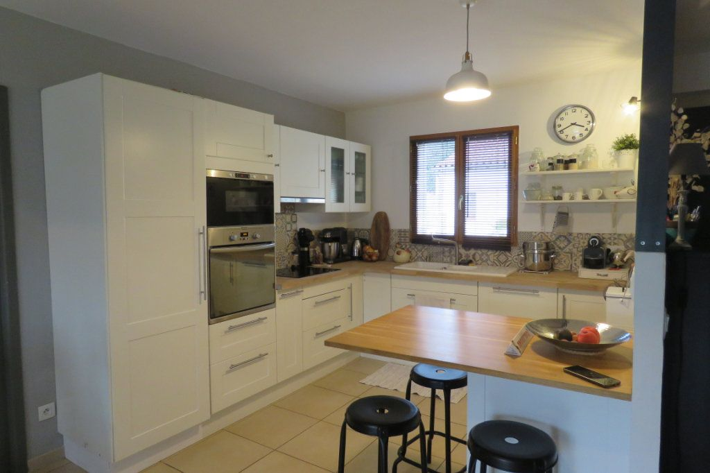Maison à vendre 4 125m2 à Saint-Sulpice-sur-Lèze vignette-3