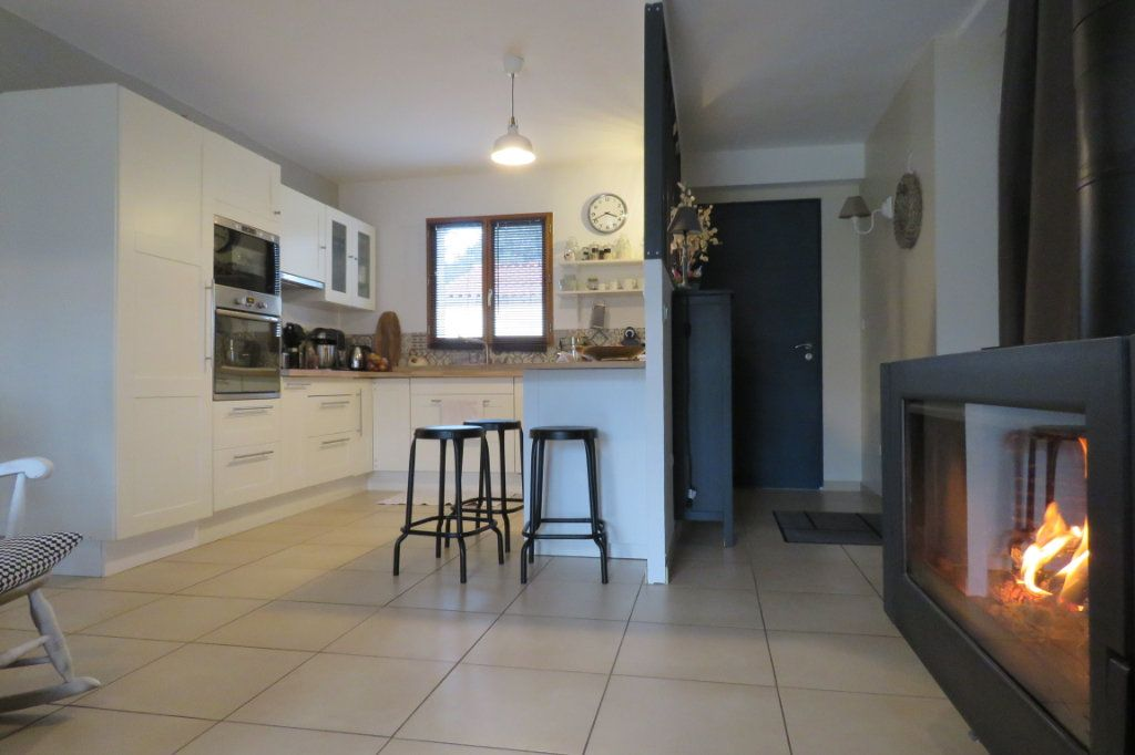 Maison à vendre 4 125m2 à Saint-Sulpice-sur-Lèze vignette-6