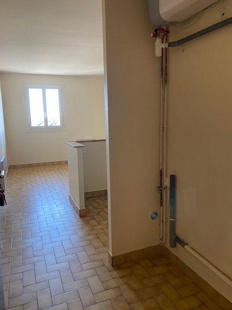 Appartement à louer 1 30m2 à Tremblay-en-France vignette-4
