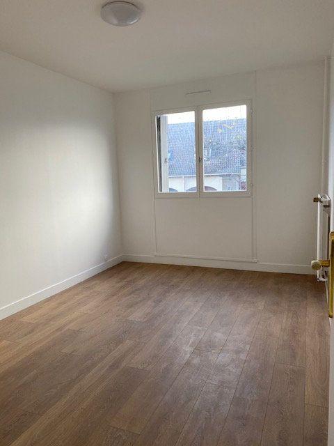 Appartement à louer 3 70.1m2 à Vaujours vignette-5