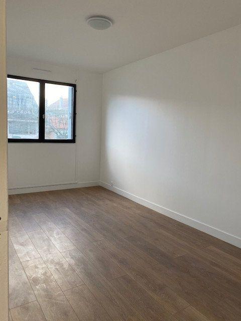 Appartement à louer 3 70.1m2 à Vaujours vignette-6