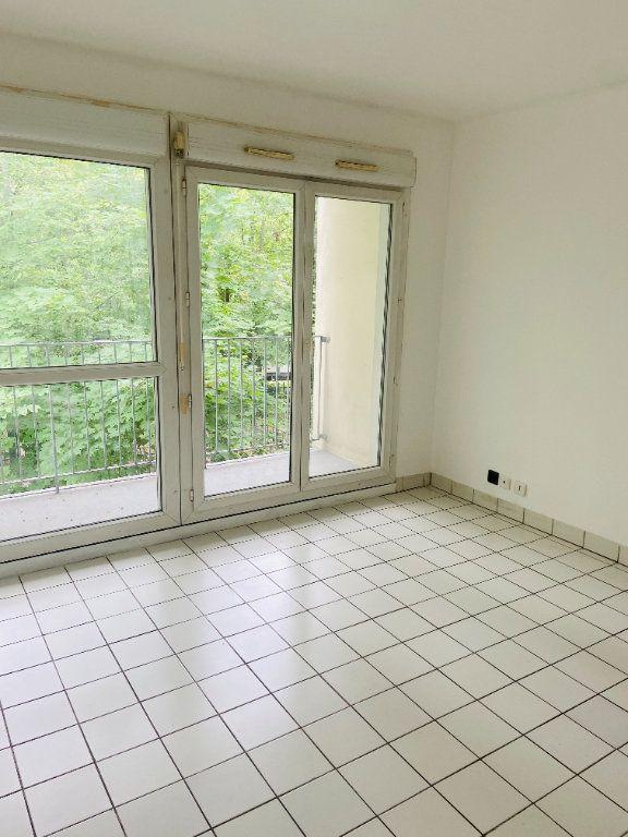 Appartement à louer 4 60.66m2 à Tremblay-en-France vignette-2