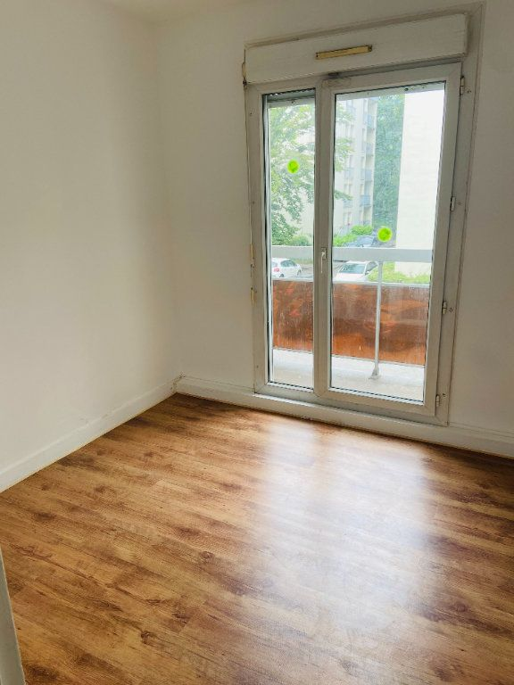 Appartement à louer 4 60.66m2 à Tremblay-en-France vignette-4