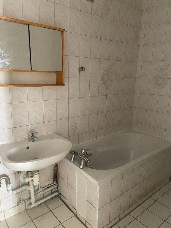 Appartement à louer 4 60.66m2 à Tremblay-en-France vignette-6