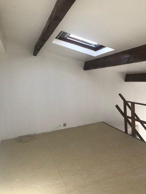 Appartement à louer 1 30m2 à Tremblay-en-France vignette-3