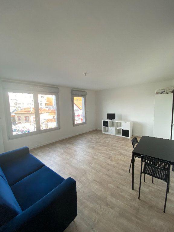 Appartement à louer 1 33.84m2 à Romainville vignette-2