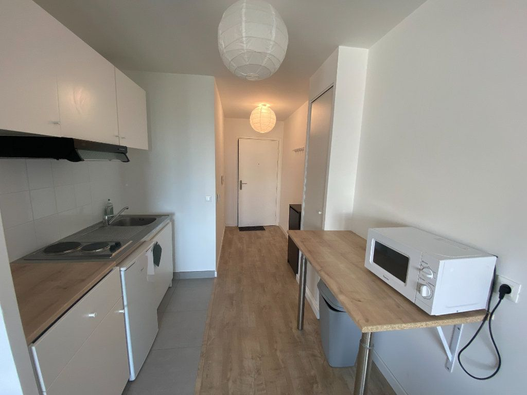 Appartement à louer 1 33.84m2 à Romainville vignette-3