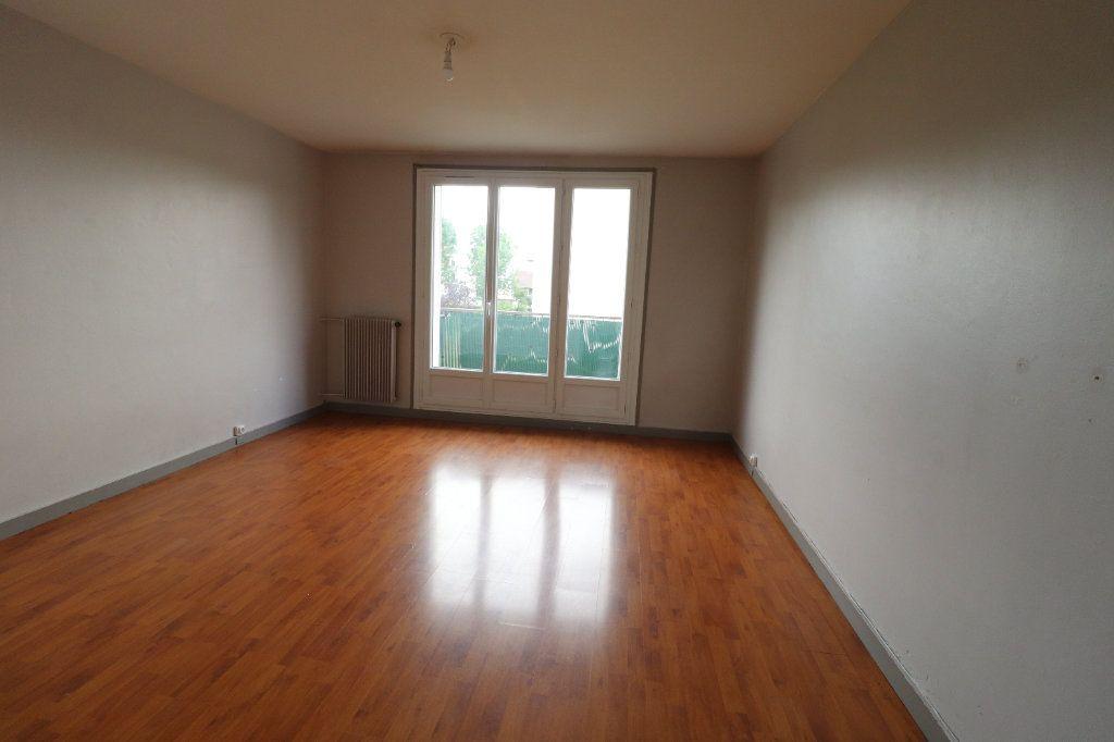 Appartement à vendre 3 57.64m2 à Viry-Châtillon vignette-2
