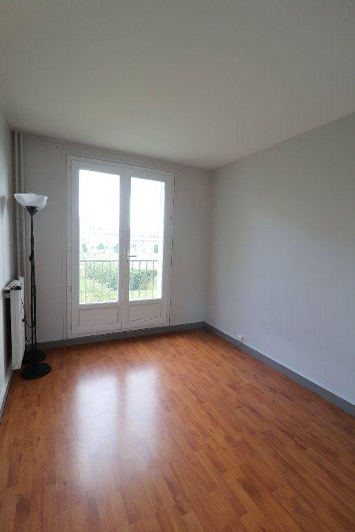Appartement à vendre 3 57.64m2 à Viry-Châtillon vignette-4