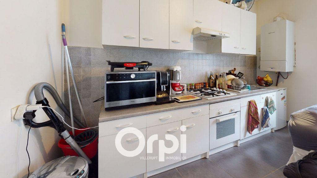 Appartement à louer 2 25m2 à Villerupt vignette-2
