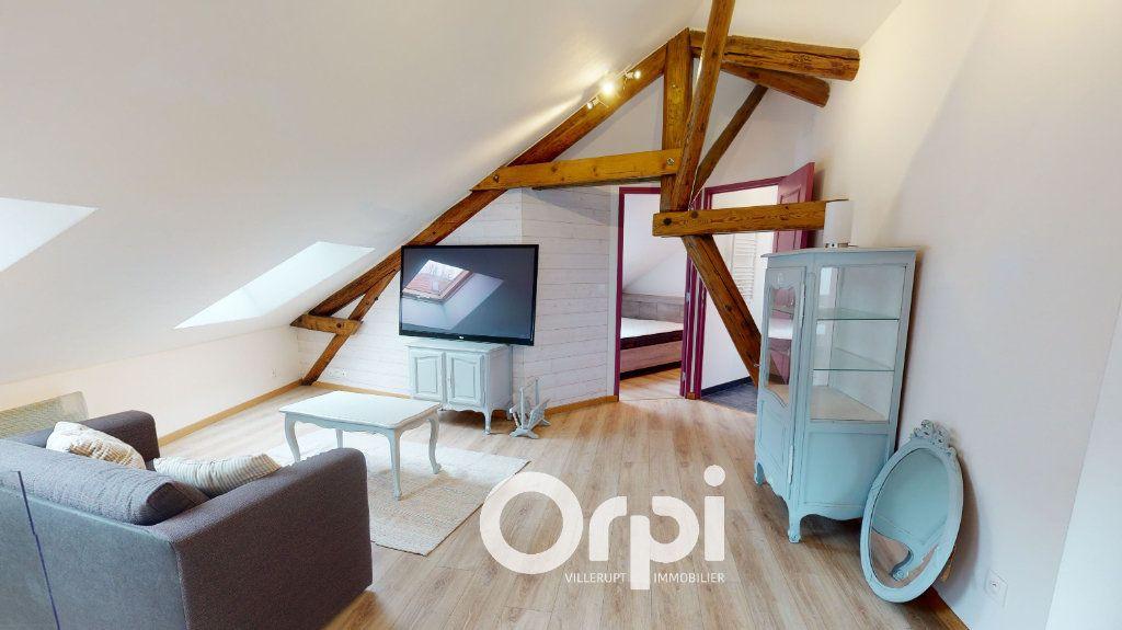 Appartement à louer 3 44m2 à Longwy vignette-2
