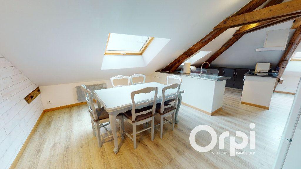Appartement à louer 3 44m2 à Longwy vignette-5