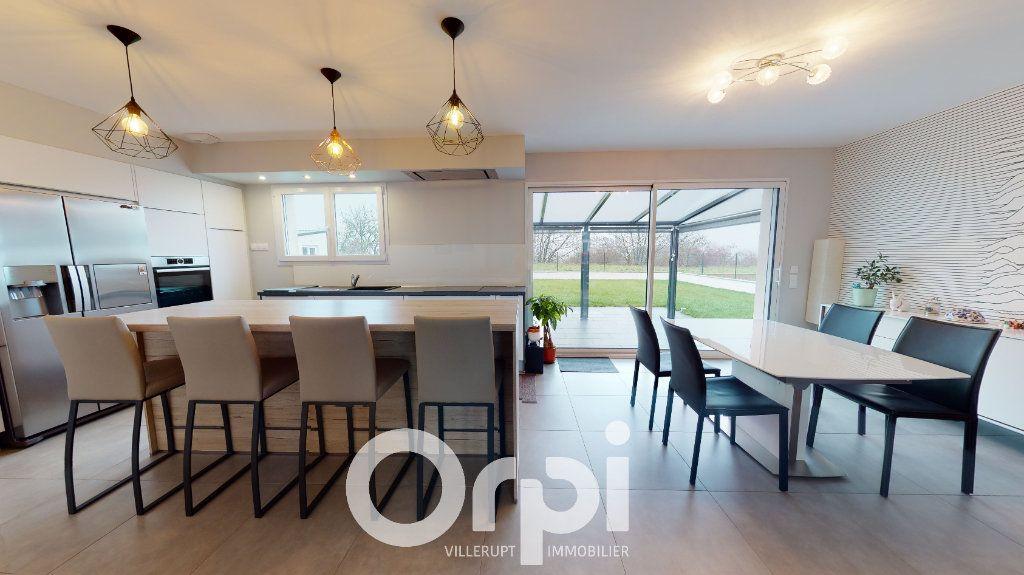 Maison à vendre 5 140m2 à Tressange vignette-2
