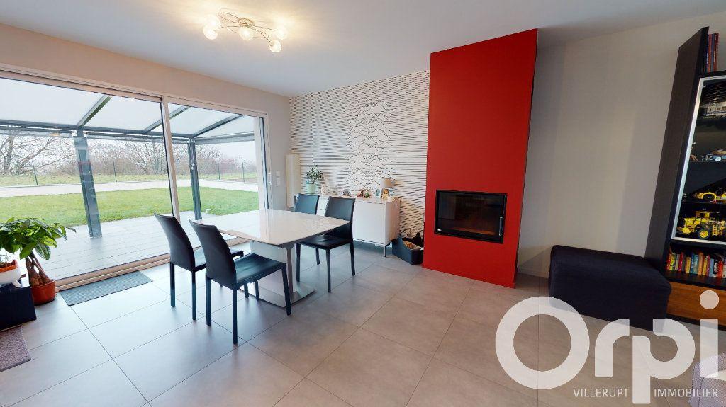 Maison à vendre 5 140m2 à Tressange vignette-4