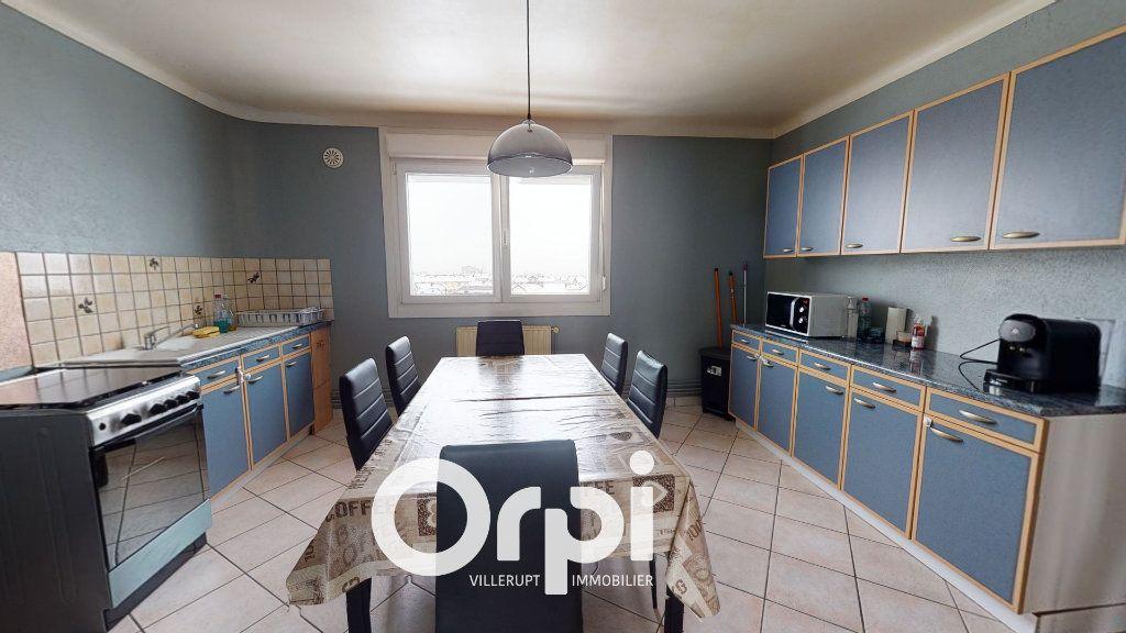 Appartement à vendre 2 58m2 à Villerupt vignette-2