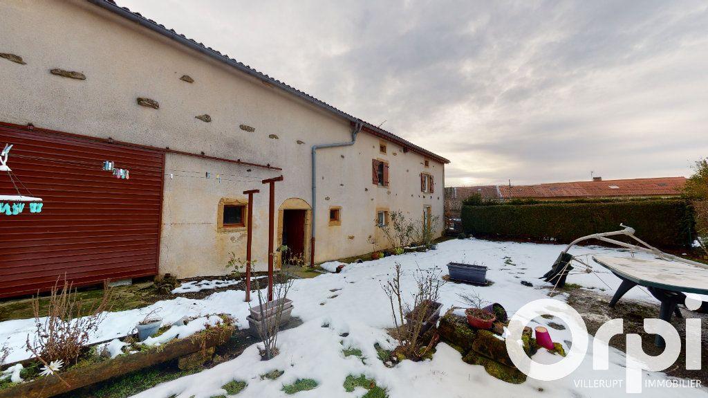 Maison à vendre 8 260m2 à Fillières vignette-1