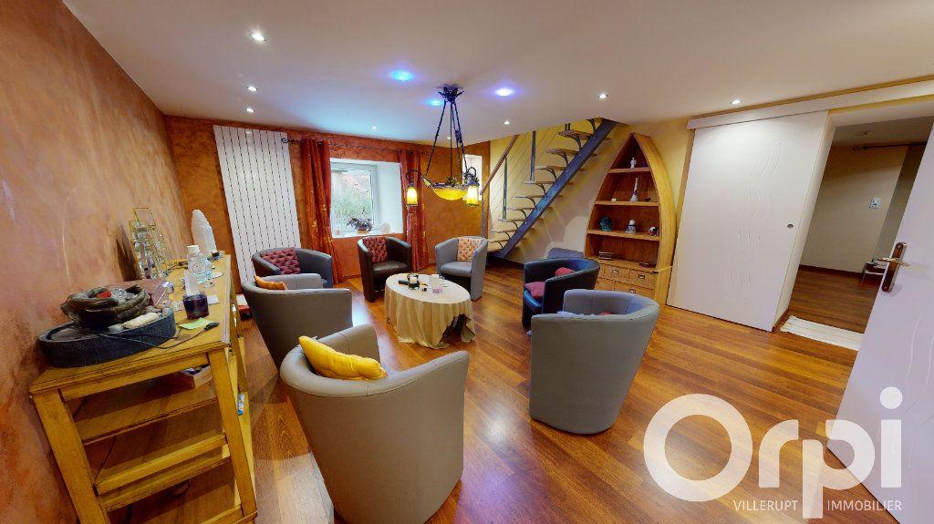 Maison à vendre 8 260m2 à Fillières vignette-2