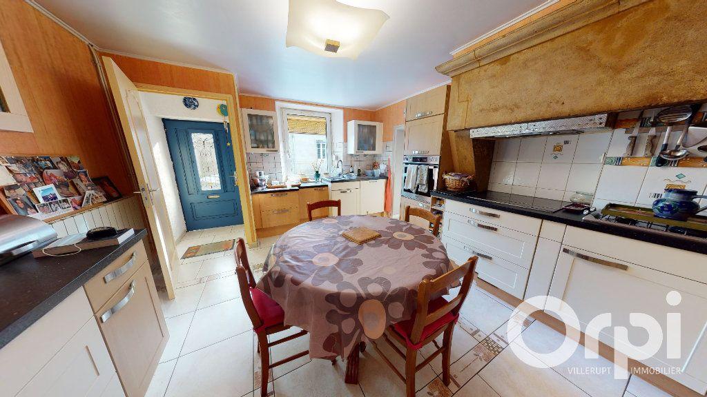 Maison à vendre 8 260m2 à Fillières vignette-7