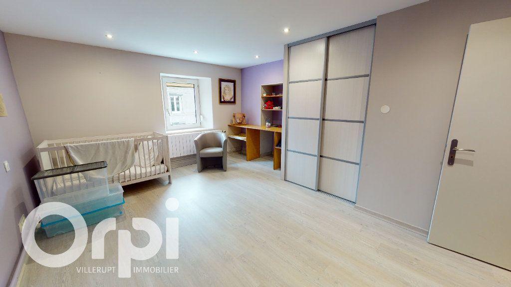 Maison à vendre 8 260m2 à Fillières vignette-9