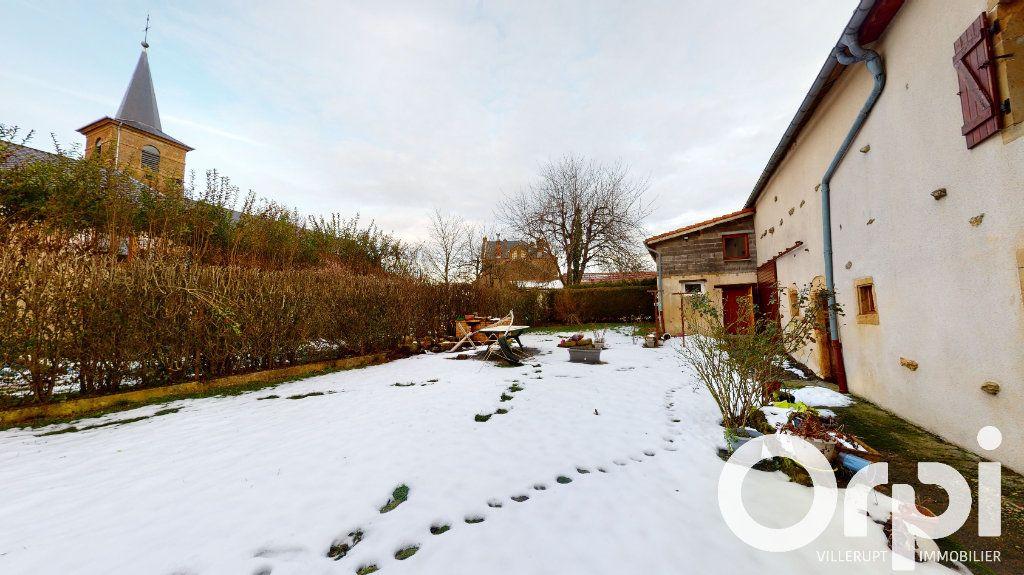Maison à vendre 8 260m2 à Fillières vignette-13