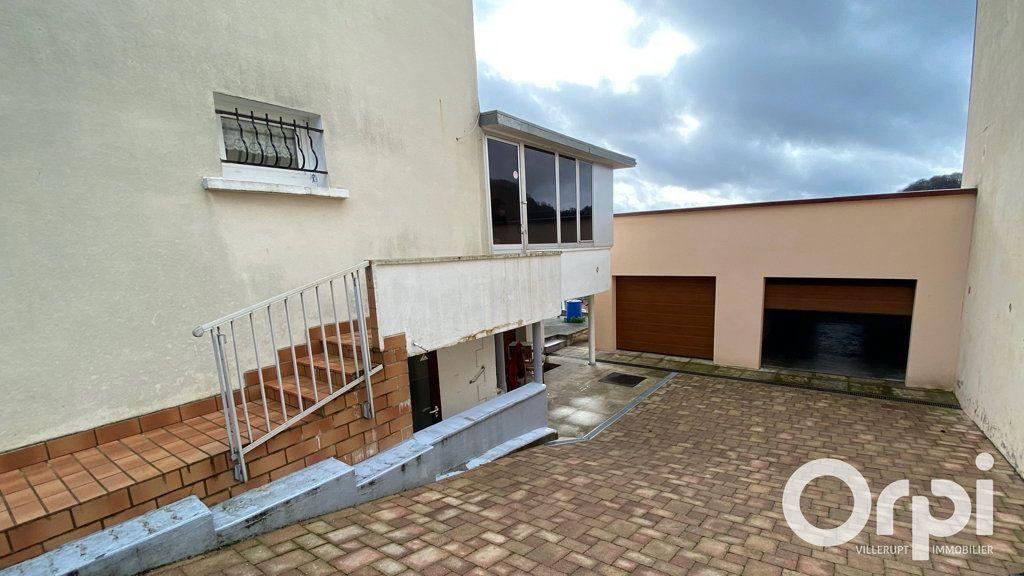 Immeuble à vendre 0 385m2 à Mont-Saint-Martin vignette-4