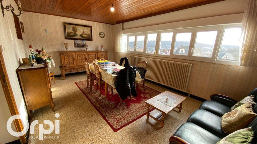 Immeuble à vendre 0 385m2 à Mont-Saint-Martin vignette-6