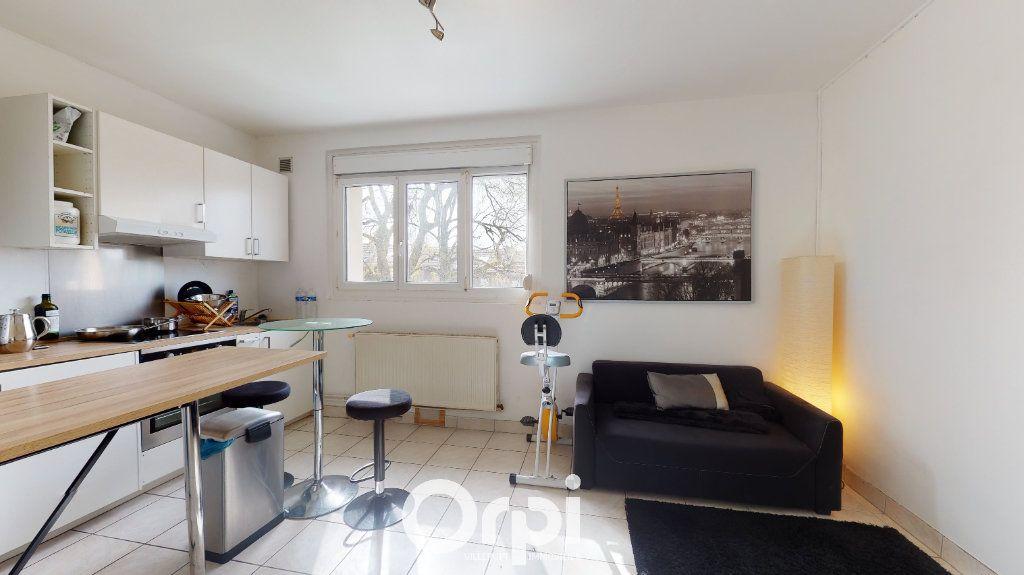 Appartement à louer 2 42m2 à Villerupt vignette-2