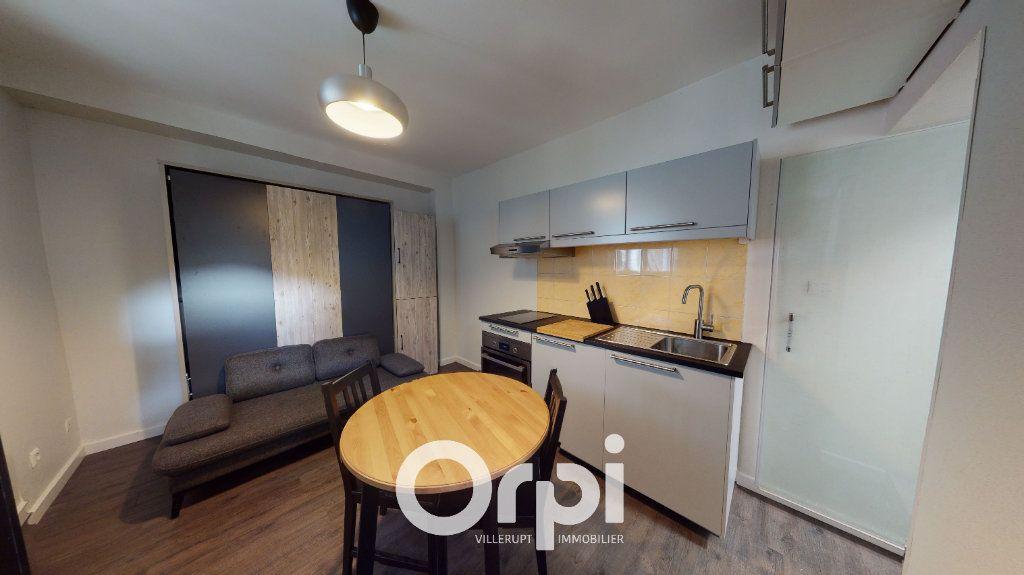 Appartement à louer 1 13m2 à Villerupt vignette-1