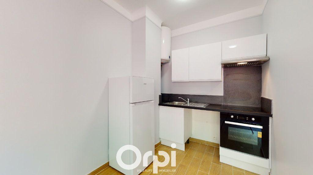 Appartement à louer 2 37.37m2 à Villerupt vignette-2