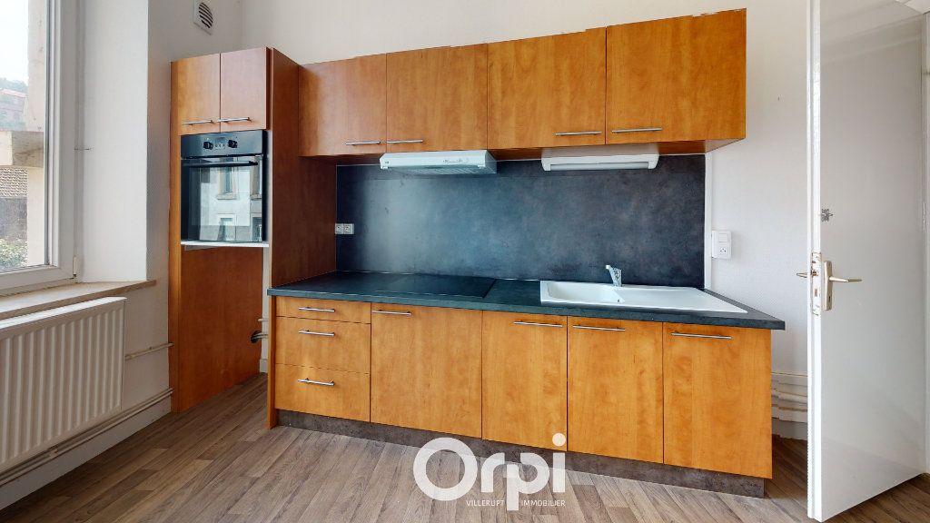 Appartement à louer 4 70m2 à Villerupt vignette-1