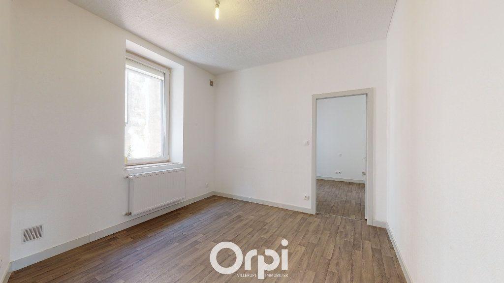 Appartement à louer 4 70m2 à Villerupt vignette-4