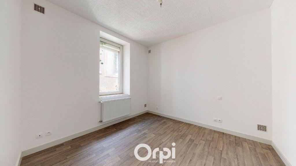 Appartement à louer 4 70m2 à Villerupt vignette-5
