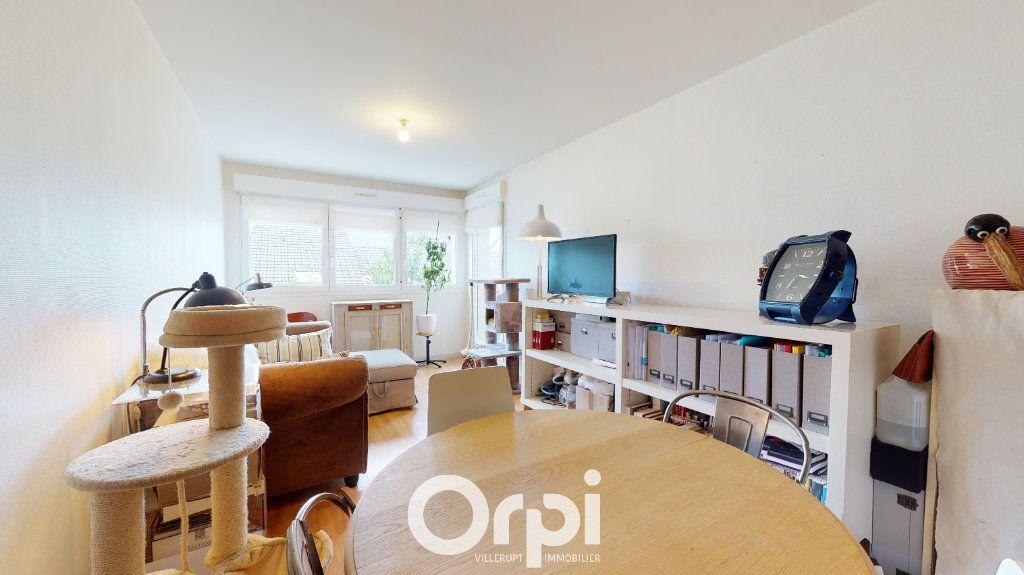 Appartement à louer 2 45m2 à Guénange vignette-1