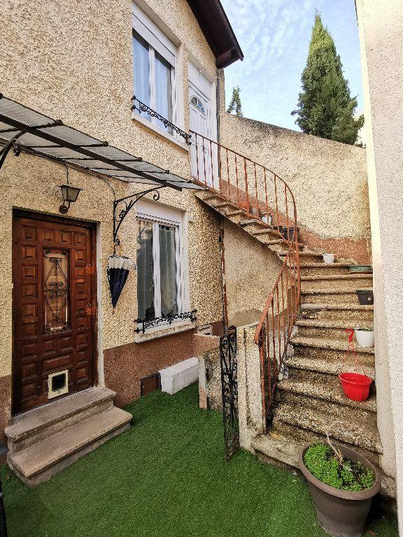 Maison à louer 3 62m2 à Lyon 3 vignette-1