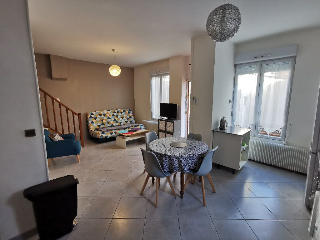 Maison à louer 3 62m2 à Lyon 3 vignette-3