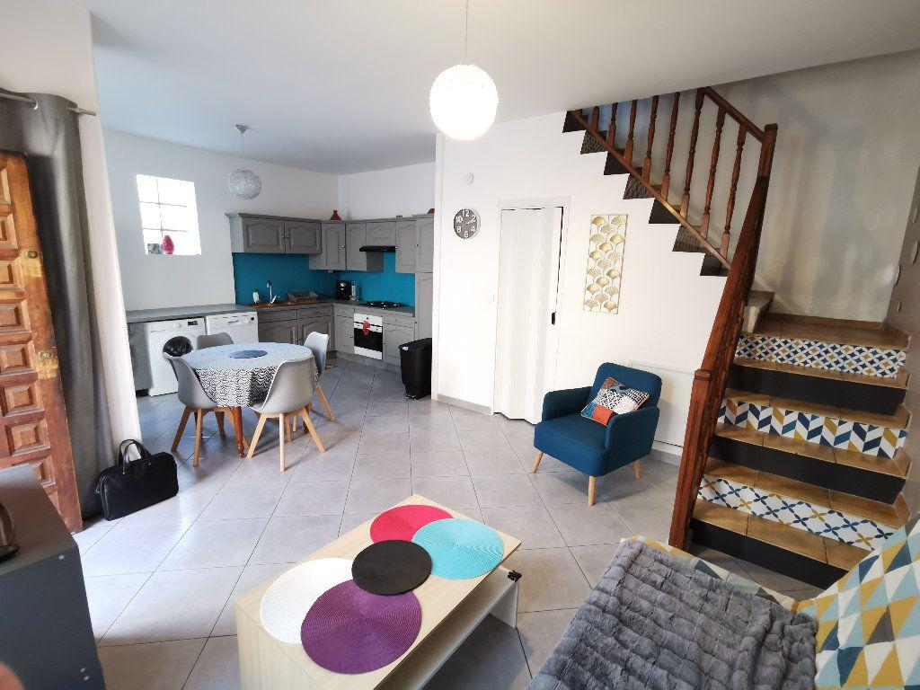 Maison à louer 3 62m2 à Lyon 3 vignette-4