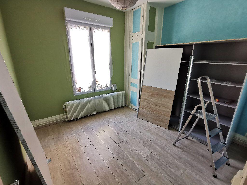 Maison à louer 3 62m2 à Lyon 3 vignette-6
