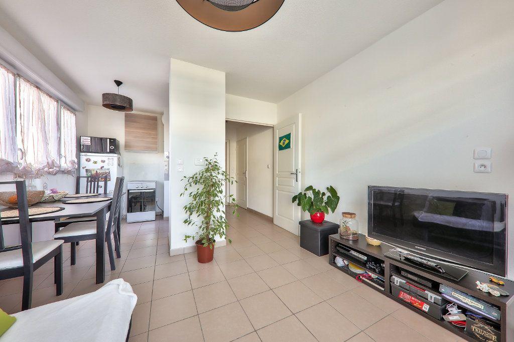 Appartement à vendre 2 38m2 à Villeurbanne vignette-6