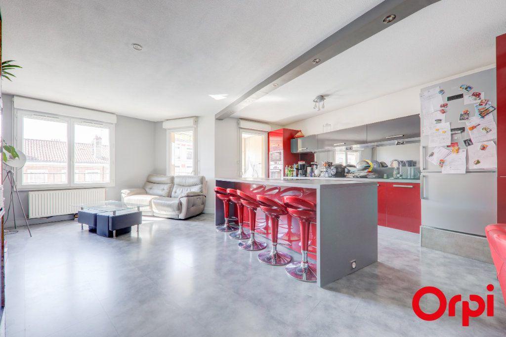 Appartement à louer 3 69m2 à Villeurbanne vignette-1