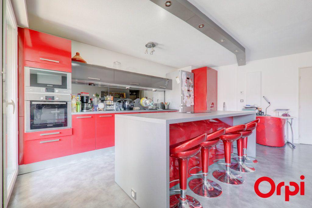 Appartement à louer 3 69m2 à Villeurbanne vignette-4