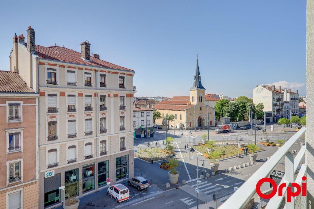 Appartement à louer 3 69m2 à Villeurbanne vignette-7