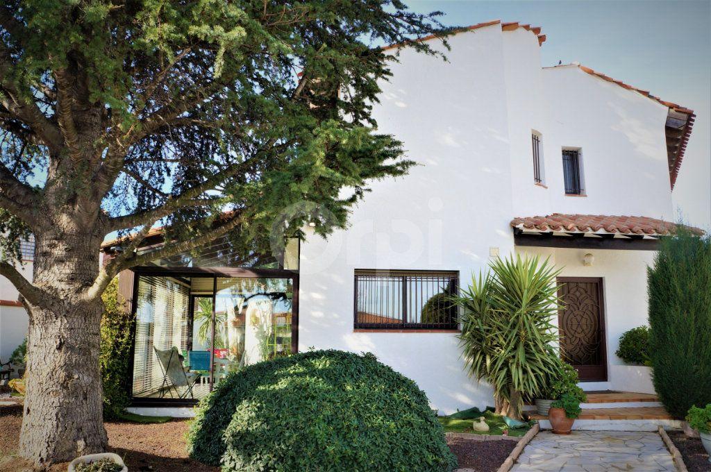 Maison à vendre 5 185m2 à Cabestany vignette-3