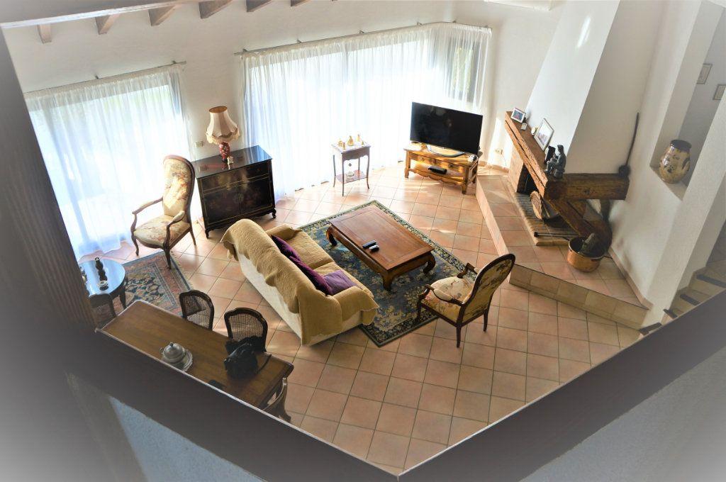 Maison à vendre 5 185m2 à Cabestany vignette-5